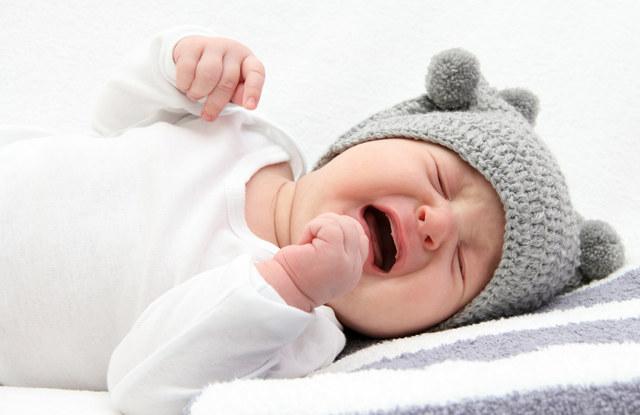 Ребенок 5 недель плачет