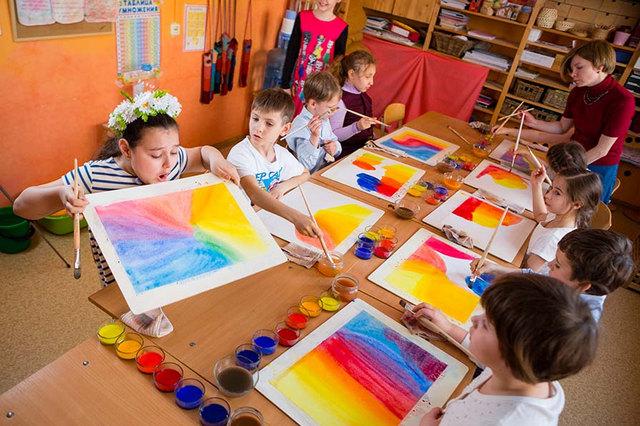 Урок рисования в Вальдорфской школе