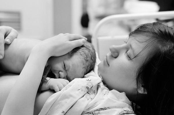 Первые минуты после рождения малыша