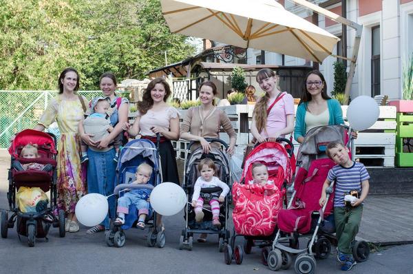 Встреча мамочек в кафе Андресон