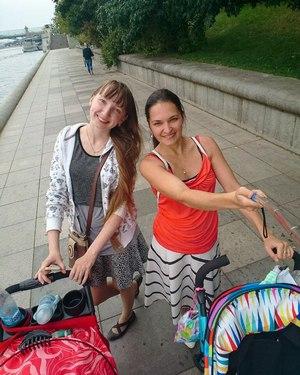 С колясками в Парке Горького