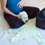 Сумка в роддом для мамы и малыша: что взять с собой на роды и после