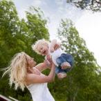 Норвежская мама с ребенком