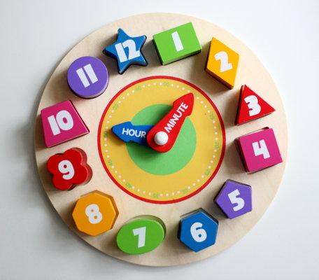 Деревянные часы игрушка