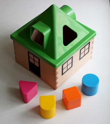 Деревянная игрушка сортер