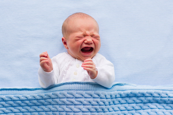 Ребенок перегрелся и плачет