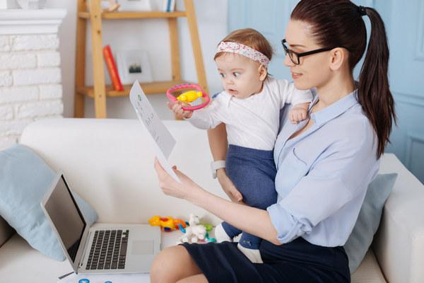 Мама работает с ребенком